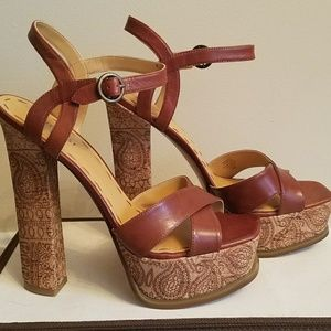Nine West Magnetic cork platform sandal